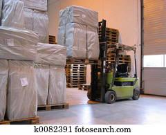 Truck lifting pallet