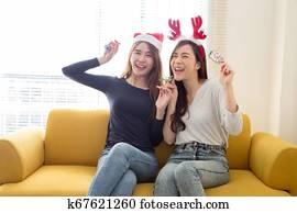 Zwei Freundinnen Bei Verrückter Orgie