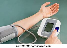 Measuring blood pressure at home
