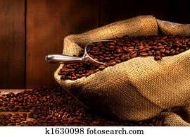 kaffeebohnen, in, leinwand- sack