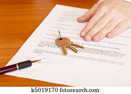 Handing over of keys after contract signing of house sale