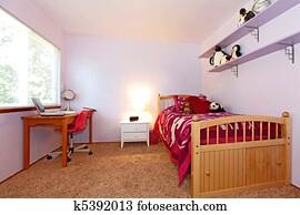 Stock fotografie meiden slaapkamer in roze zwart wit