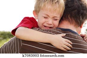 Gråtende svart gutt