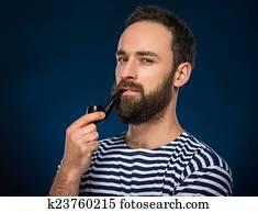 mignon Brunette pipe voulez-vous une pipe