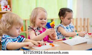 kinder, machen, künste, und, crafts., kindern, in, kindergarten.