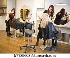 haar salon, situation