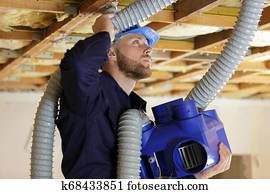 builder repairman install hvac duct