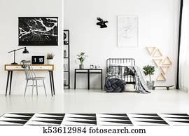 169e7f1edf5 Άσπρο, γραφείο, και, καρέκλα, κάτω από, εξέδρα, κρεβάτι, επάνω ...