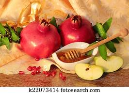 rosh hashanah symbols - honey, apples and pomegranate