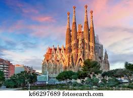 BARCELONA, SPAIN - FEBRUARY 10, 2016: Sagrada Familia basilica in Barcelona. The Antoni Gaudi masterpiece has become a UNESCO World Heritage Site in 1984.i Gaudi masterpiece has become a UNESCO World Heritage Site in 1984.