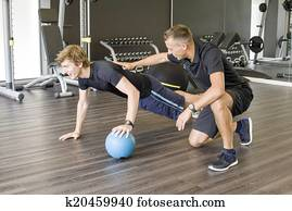 Fitness coach advice to trainee