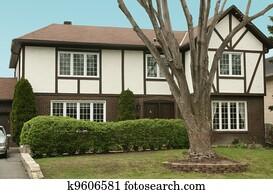 Tudor stile casa archivi immagini e foto 433 tudor stile for Stile cottage inglese