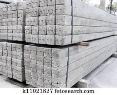 Stock Foto Beton Pfosten Haufen Boden K11021802 Suche