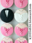 Wedding party cupcakes