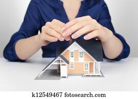 Archivio fotografico proteggere tuo casa k4497770 - Proteggere casa ...