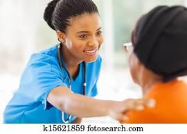 afrikanisch, medizinische, krankenschwester, tr?ster, ?lter, patient