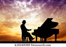 pianist in concert