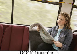 frau, sitzt, auf, bus