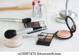 versch nern make up kosmetologie gegenst nde kosmetikartikel sch n stock bilder und fotos 636. Black Bedroom Furniture Sets. Home Design Ideas