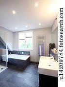 Stock fotografie modernes badezimmer mit gr n dusche - Fliesenmuster dusche ...